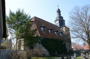 Die Tonndorfer Kirche von Nordost, Friedhofsseite
